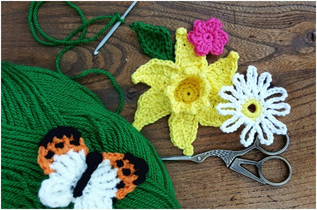 Backstitch crochet flowers class